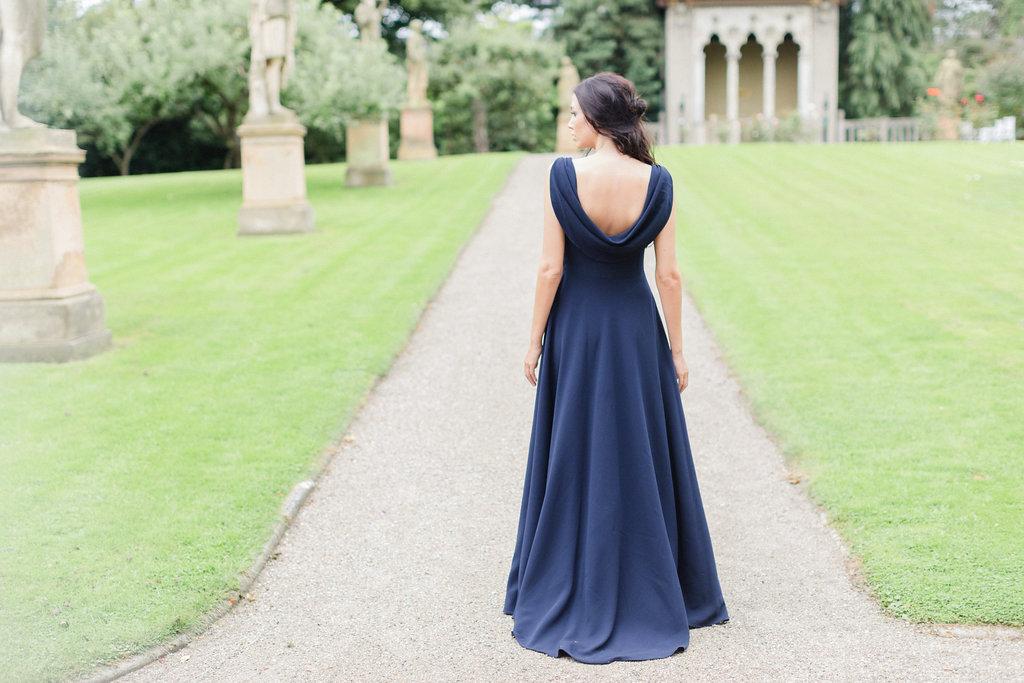 Blå design brudekjole